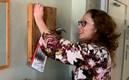 Jenny spikar upp sin avhandling på väggen