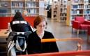 Student på Orkanenbiblioteket